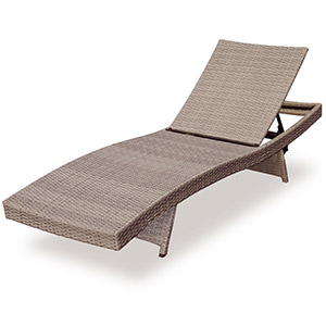 wicker lounger